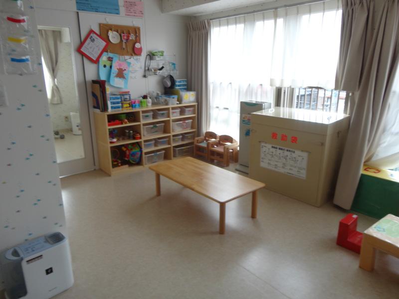 ペンギンルーム:0・1歳児が使用する機会が多い部屋です。